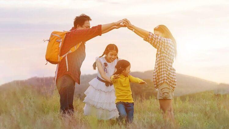 bảo hiểm sinh kỳ là gì? gia đình hạnh phúc nhận được quyền lợi bảo hiểm sinh kỳ