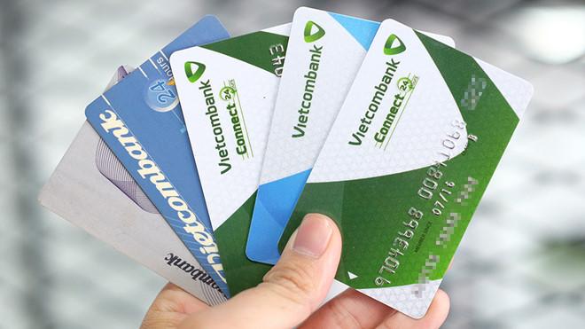 Thẻ ATM 1 ngày rút được bao nhiêu tiền? Hạn mức rút tiền của Vietcombank