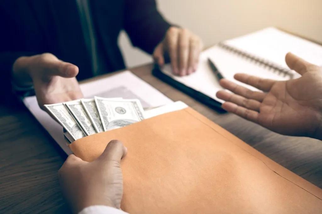 Top 12 Vay Tiền Trả Góp Lãi suất Thấp, Chỉ Cần CMND