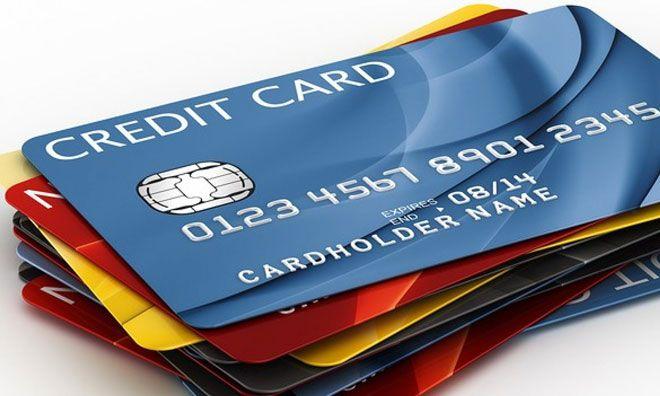 Phí rút tiền thẻ tín dụng của các ngân hàng hiện đang áp dụng ở mức từ 1% đến 4% cho mỗi giao dịch